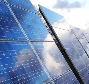 Por qu poner placas solares y por qu invertir en energ for Placas solares precios