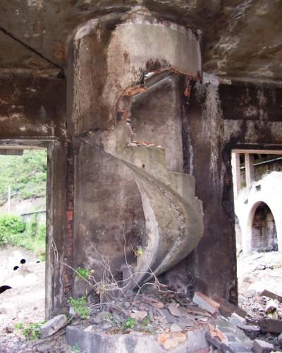 El final del hist rico merendero venecia en el concejo de - Fotos de escaleras caracol ...